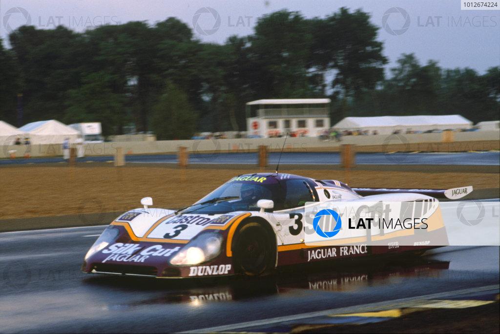 Le Mans, France. 10th - 11th June 1989.Davy Jones/Derek Daly/Jeff Kline (Jaguar XJR-9 LM), retired, action.World Copyright: LAT Photographic.Ref:  Colour Transparency.