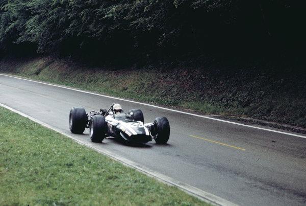 1968 French Grand Prix. Rouen-les-Essarts, France. 5-7 July 1968. Johnny Servoz-Gavin (Cooper T86B BRM). Ref-68 FRA 18. World Copyright - LAT Photographic