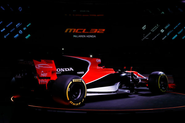 McLaren MCL32 Honda Formula 1 Launch. McLaren Technology Centre, Woking, UK. Friday 24 February 2017. The MCL32 is launched. World Copyright: Glenn Dunbar/LAT Images Ref: _31I9378