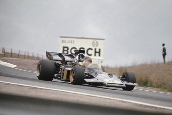 1972 Spanish Grand Prix.  Jarama, Spain. 29th April - 1st May 1972.  Emerson Fittipaldi, Lotus 72D Ford, 1st position.  Ref: 72ESP03. World Copyright: LAT Photographic