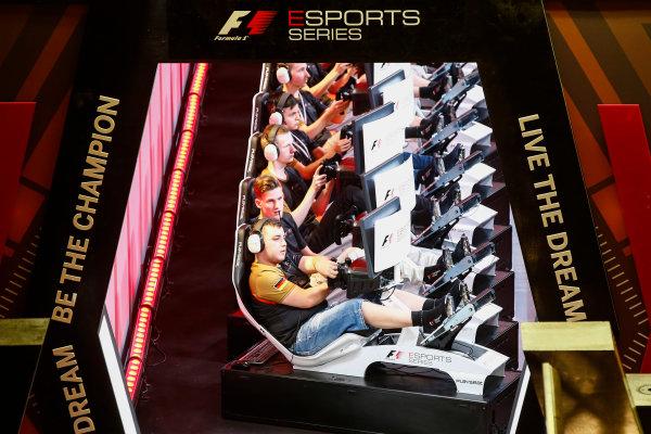 Yas Marina Circuit, Abu Dhabi, United Arab Emirates. Saturday 25 November 2017. E-Sports players in the arena. World Copyright: Andrew Hone/LAT Images  ref: Digital Image _ONY2028