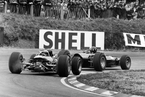 1966 British Grand Prix.Brands Hatch, Great Britain. 16 July 1966.Graham Hill, BRM P261, 3rd position, leads Jim Clark, Lotus 33-Climax, 4th position, action.World Copyright: LAT Photographic