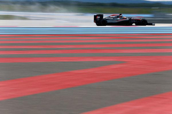 Paul Ricard, France. Tuesday 26 January 2016. Stoffel Vandoorne, McLaren MP4-30 Honda.  World Copyright: Steven Tee/LAT Photographic ref: Digital Image _X0W8051