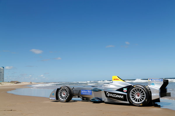 FIA Formula E Test Day. Formula E Car on the beach. Punta Del Este, Uruguay, South America. Formula E Third Race Event, 11th - 14th December 2014. Sunday 14 December 2014.  Photo: Adam Warner/LAT/FE ref: Digital Image _L5R5120