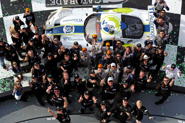 22-25 January, 2015, Daytona Beach, Florida USA 93, Viper V10, SRT GT3-R, GTD, Al Carter, Ben Keating, Dominik Farnbacher, Kuno Wittmer, Cameron Lawrence and team in VL. ?2015, F. Peirce Williams LAT Photo USA