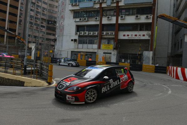 2013 World Touring Car Championship. Round 12 - Circuit de Guia, Macau, China. Sunday 17 November 2013. Race1, Rene Munnich (DEU) SEAT Leon WTCC, Munnich Motorsport. World Copyright: XPB Images / LAT Photographic. ref: Digital Image PHOTO4_560456