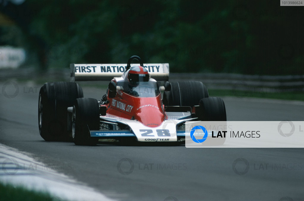 Monza, Italy. 10th - 12th September 1976. John Watson (Penske PC4-Ford), 11th position, action.  World Copyright: LAT Photographic. Ref: 76 ITA 23.