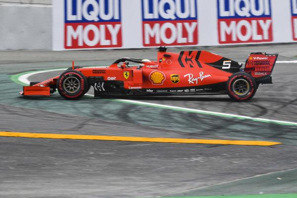 Sebastian Vettel, Ferrari SF90 spins in FP3
