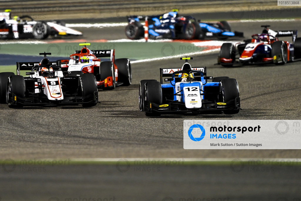 Lirim Zendeli (DEU, MP Motorsport), leads Christian Lundgaard (DNK, ART Grand Prix)