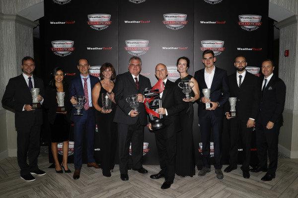 2018 WeatherTech Night of Champions, #33 Riley Motorsports Mercedes AMG GT3, GTD: Jeroen Bleekemolen, Ben Keating, Luca Stolz, TPNAEC, Bill Riley, Rob Moran, team members