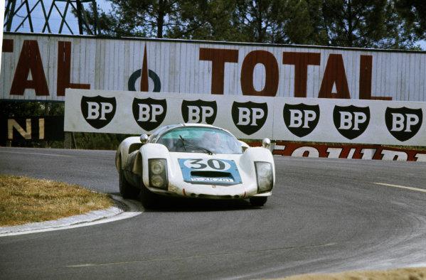 Le Mans, France. 18th - 19th June 1966. Jo Siffert/Colin Davis (Porsche 906 Langheck) 4th position, action. World Copyright: LAT Photographic. Ref: 35mm colour transparency.