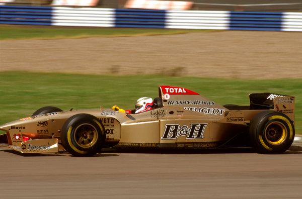 Silverstone, England.12-14 July 1996.Martin Brundle (Jordan 196 Peugeot) 6th position.Ref-96 GB 28.World Copyright - LAT Photographic