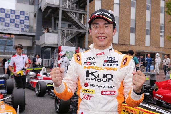 2017 Japanese Formula 3 Championship. Motegi, Japan. 29th - 230th July 2017. Rd 14 15 & 16. Rd14 Winner Sho Tsuboi ( #1 Corolla Chukyo Kuo TOM?S F317 ) parc ferme portrait World Copyright: Yasushi Ishihara / LAT Images. Ref: 2017JF3_R14_16_05