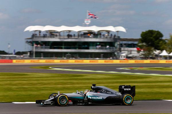 Silverstone, Northamptonshire, UK Friday 08 July 2016. Lewis Hamilton, Mercedes F1 W07 Hybrid.  World Copyright: Andy Hone/LAT Photographic ref: Digital Image _ONZ9838