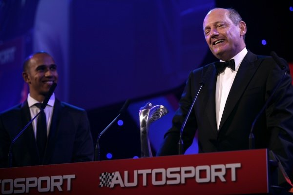 2009 Autosport AwardsGrosvenor House Hotel, Park Lane, London 6th December 2009 Ron Dennis on stage to accept a Gregor Grant Award for Lifetime Achievement from Lewis Hamilton.World Copyright: Drew Gibson/LAT Photographic