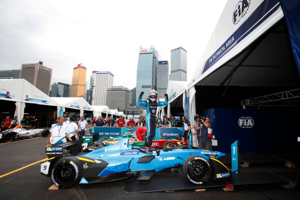 2016/2017 FIA Formula E Championship. Hong Kong ePrix, Hong Kong, China. Sunday 09 October 2016. Sebastien Buemi (9, Renault e.dams) celebrates after winning the race. Photo: Adam Warner/LAT/Formula E ref: Digital Image _L5R8298