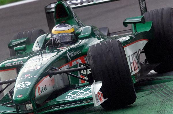 2001 Italian Grand Prix - PracticeMonza, Italy. 14th Spetember 2001.Pedro De La Rosa, Jaguar R2, action.World Copyright: Steve Etherington/ LAT Photographicref: 17 5mb Digital Image