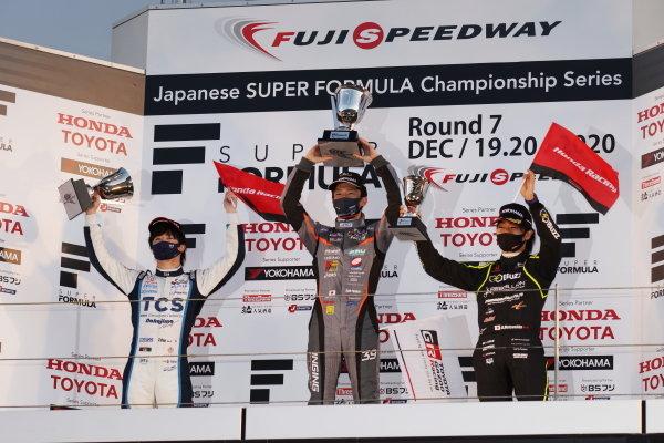 The round seven podium. Winner Syo Tsuboi ( #39 JMS P.MU/CERUMO・INGING, Dallara SF19 Toyota ) celebrates between Toshiki Oyu ( #65 TCS NAKAJIMA RACING, Dallara SF Honda )second and Nobuharu Matsushita ( #50 Buzz Racing with B-Max, Dallara SF19 Honda ), third