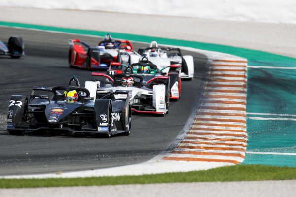 Oliver Rowland (GBR), Nissan e.Dams, Nissan IMO2 leads Neel Jani (CHE), Tag Heuer Porsche, Porsche 99x Electric and Lucas Di Grassi (BRA), Audi Sport ABT Schaeffler, Audi e-tron FE06