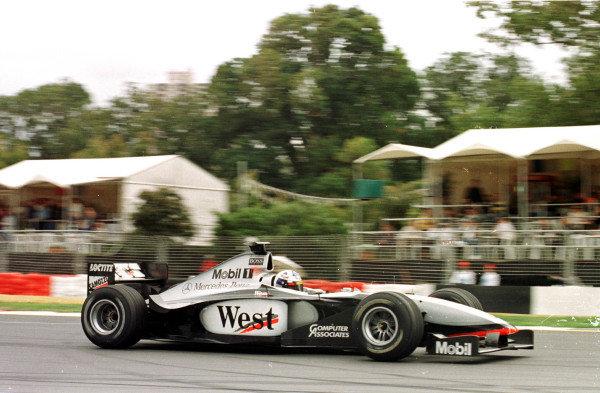 1998 Australian Grand Prix.Albert Park, Melbourne, Australia.6-8 March 1998.David Coulthard (McLaren MP4/13 Mercedes-Benz) 2nd position.World Copyright - LAT Photographic