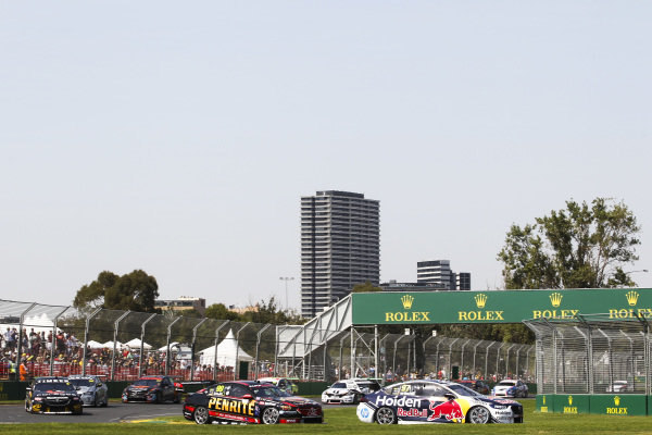 Shane van Gisbergen, Triple Eight Racing Engineering, Holden, leads Anton de Pasquale, Erebus Motorsport, Holden