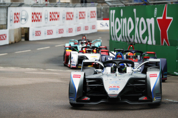 Felipe Massa (BRA), Venturi Formula E, Venturi VFE05 leads Robin Frijns (NLD), Envision Virgin Racing, Audi e-tron FE05
