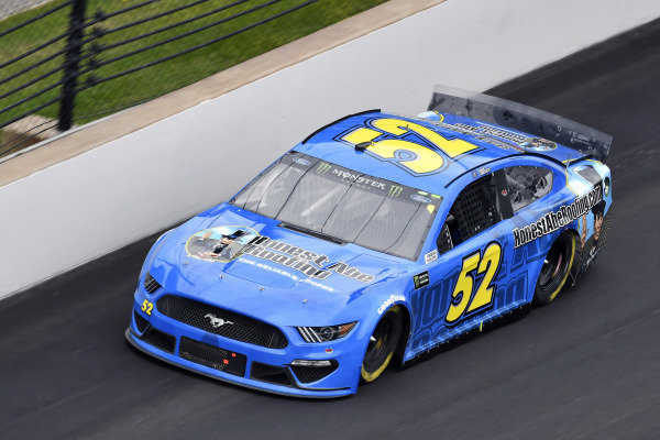 #52: Garrett Smithley, Rick Ware Racing, Ford Mustang Honest Abe Roofing