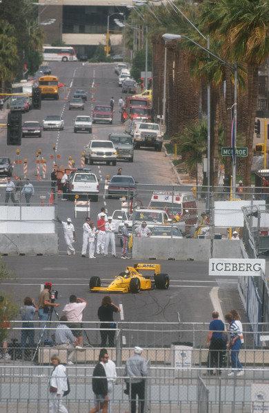 1990 United States Grand Prix.Phoenix, Arizona, USA.9-11 March 1990.Derek Warwick (Lotus 102 Lamborghini). He exited the race when his rear suspension failed on lap 6.Ref-90 USA 19.World Copyright - LAT Photographic