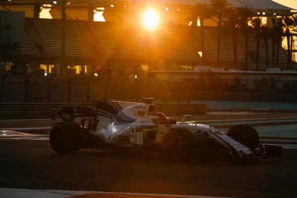 Yas Marina Circuit, Abu Dhabi, United Arab Emirates. Wednesday 29 November 2017. Robert Kubica, Williams FW40 Mercedes.  World Copyright: Joe Portlock/LAT Images  ref: Digital Image _L5R1149