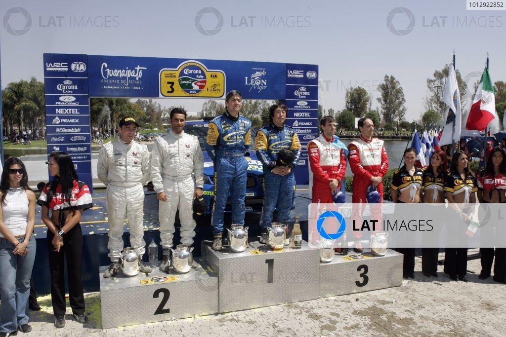 2006 FIA World Rally Champs. Round Three; Rally Mexico.; 2nd - 5th March 2006.Toshi Arai & Tony Welam, Subaru PWRC, podium. World Copyright: LAT/McKlein