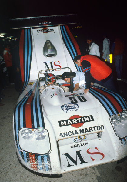 1982 Le Mans 24 hours. Le Mans, France. 19th - 20th June 1982. Piercarlo Ghinzani / Riccardo Patrese / Hans Heyer (Lancia Martini LC1), retired, pit stop action. World Copyright: LAT Photographic. Ref: 82LM38.