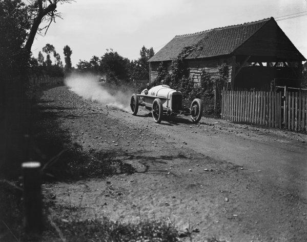 Le Mans, France. 25th July 1921. Jimmy Murphy (Duesenberg), 1st position, action.  World Copyright: LAT Photographic Ref: Autocar Glass Plate Black 7259.