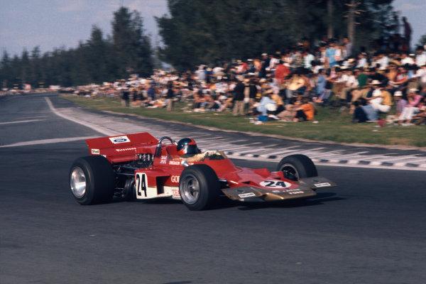 1970 Mexican Grand Prix.  Mexico City, Mexico. 23-25th October 1970.  Emerson Fittipaldi, Lotus 72C Ford.  Ref: 70MEX08. World copyright: LAT Photographic