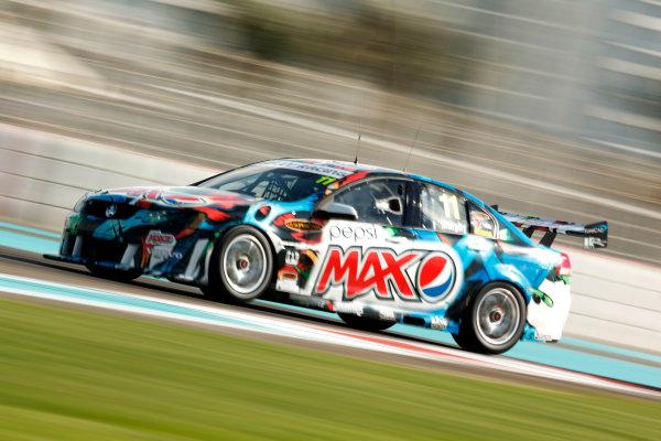 YAS Marina Circuit, Abu Dhabi. 10th -  12h February 2011. Greg Murphy, (Perkins Engineering). Action.  World Copyright: Drew Gibson/LAT Photographicref: Digital Image DG5D7961