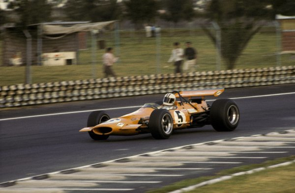 Denny Hulme (NZL) McLaren M7A won the final GP of the season and of the decade. Mexican Grand Prix, Mexico City, 19 October 1969. BEST IMAGE