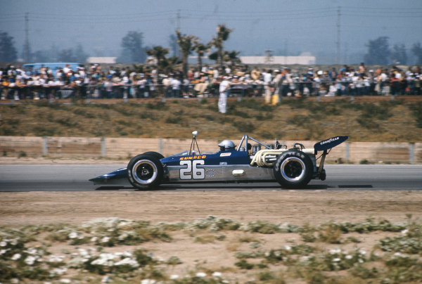 Ontario Speedway, California, USA. 24th - 28th March 1971. Mark Donohue (Lola T192-Chevy), 14th position, action. World Copyright: LAT Photographic. Ref: QU 71 05