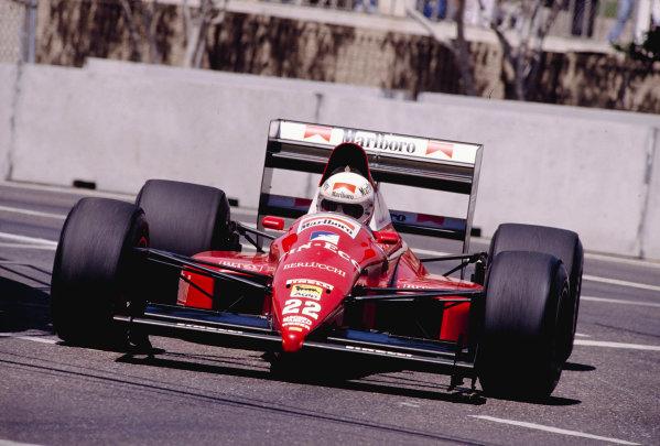 1989 United States Grand Prix.Phoenix, Arizona, USA.2-4 June 1989.Andrea de Cesaris (Scuderia Italia/Dallara 189 Ford) 8th position.Ref-89 USA 35.World Copyright - LAT Photographic