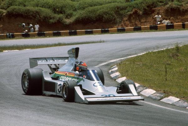 Interlagos, Sao Paulo, Brazil. 23-25 January 1976. Emerson Fittipaldi, Copersucar FD04 Ford. Ref: 76BRA22. World Copyright - LAT Photographic