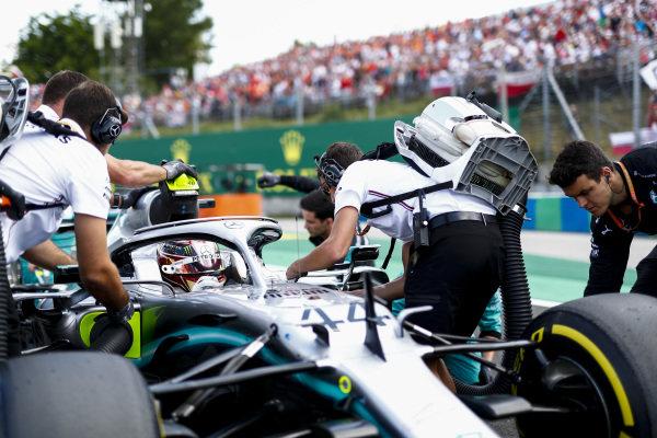 Lewis Hamilton, Mercedes AMG F1 W10 arrives on the grid