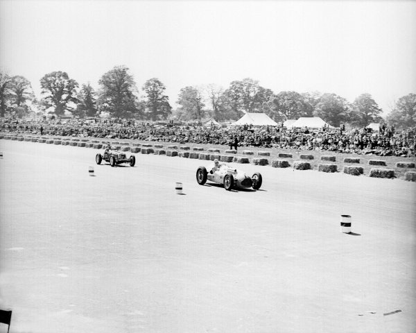 Silverstone, Great Britain. 14 May 1949.Johnny Claes (Lago-Talbot T26C) leads Bob Gerard (ERA B-type) who finished in 2nd position.Ref-Motor 766/23.World Copyright - LAT Photographic