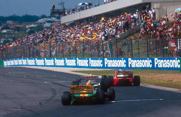 1993 South African Grand Prix.Kyalami, South Africa.12-14 March 1993.Ayrton Senna (McLaren MP4/8 Ford) leads Alain Prost (Williams FW15C Renault) and Michael Schumacher (Benetton B192B Ford). Ref-93 SA 10.World Copyright - LAT Photographic