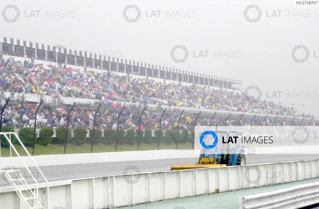 pocono 500 nascar june 17 2000 pocono padiehard nascar fans waiting for clear wheather- Robt LeSieurLAT PHOTOGRAPHIC