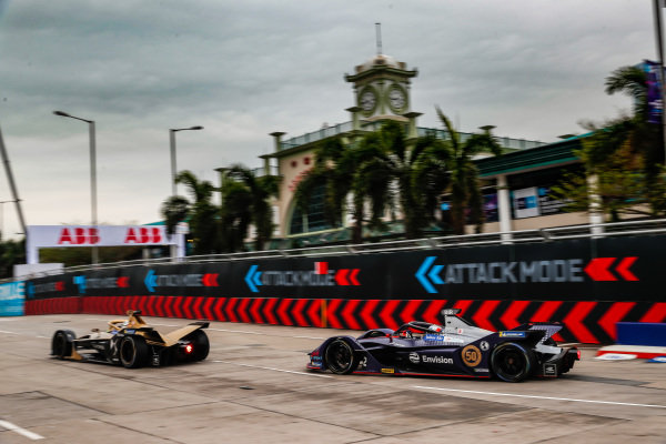 Andre Lotterer (DEU), DS TECHEETAH, DS E-Tense FE19 leads Sam Bird (GBR), Envision Virgin Racing, Audi e-tron FE05