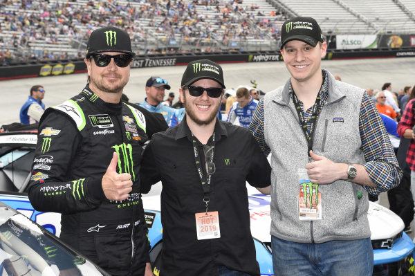 #1: Kurt Busch, Chip Ganassi Racing, Chevrolet Camaro Monster Energy, with guest