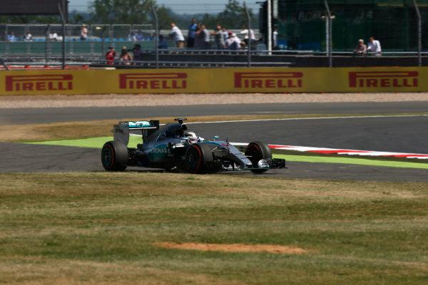 Silverstone Circuit, Northamptonshire, England. Friday 3 July 2015. Lewis Hamilton, Mercedes F1 W06 Hybrid. World Copyright: Andrew Ferraro/LAT Photographic ref: Digital Image _FER0674