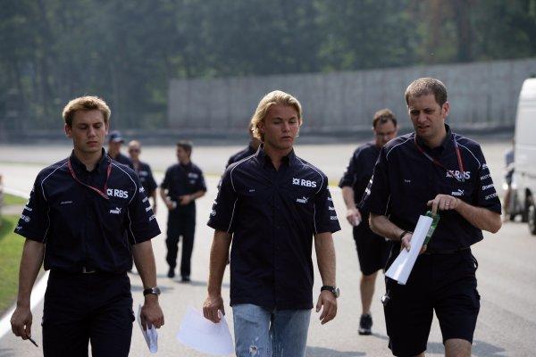 2006 Italian Grand Prix - Thursday Preview Autodromo Nazionale Monza, Italy. 7th - 10th September 2006. Nico Rosberg, Williams FW28-Cosworth, walks the track, portrait. World Copyright: Michael Cooper/LAT Photographic ref: Digital Image VI5L9039