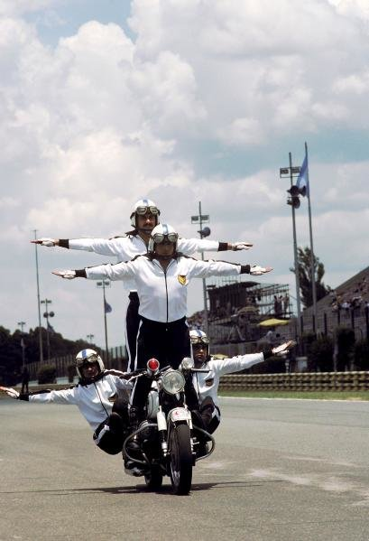 A shortage of motorbikes in Argentina forced some to take desperate measures. 