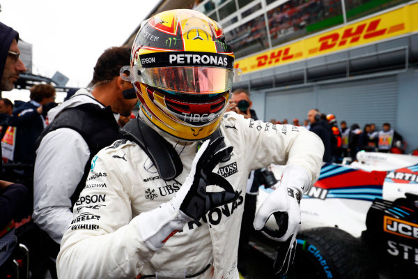 Autodromo Nazionale di Monza, Italy. Saturday 02 September 2017. Lewis Hamilton, Mercedes AMG, celebrates after taking his 69th F1 Pole Position. World Copyright: Steven Tee/LAT Images  ref: Digital Image _R3I4979