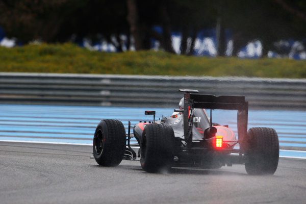 Paul Ricard, France. Monday 25 January 2016. Stoffel Vandoorne, McLaren MP4-30 Honda. World Copyright: Steven Tee/LAT Photographic ref: Digital Image _L4R6064