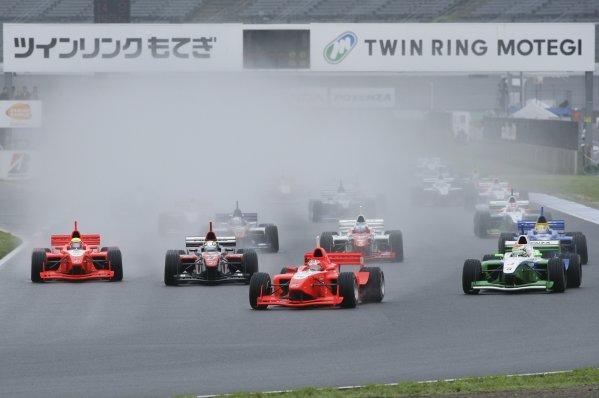 2006 Formula Nippon ChampionshipTwin-Ring Motegi, Japan. 28th May 2006Start of the race.World Copyright: Yasushi Ishihara/LAT Photographicref: Digital Image 2006FN_R3_001